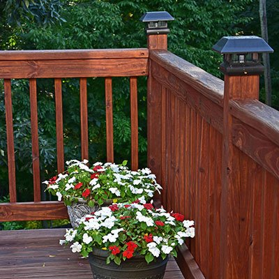 5 TIPS FOR CLEANING AND SEALING A WOOD DECK