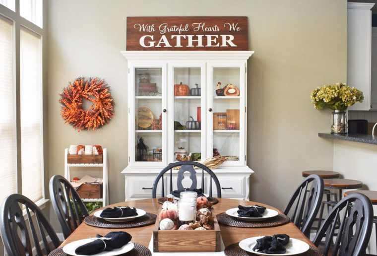 Fall decor inspiration for your dining room.