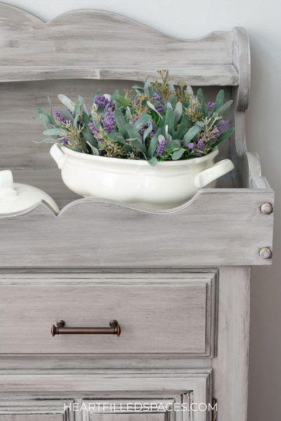 Chalked dry sink