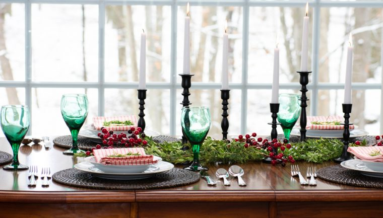 Farmhouse Table Setting at Christmas