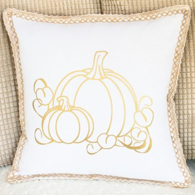 DIY Fall Pillows With Heat Transfer Vinyl and Free Cut Files