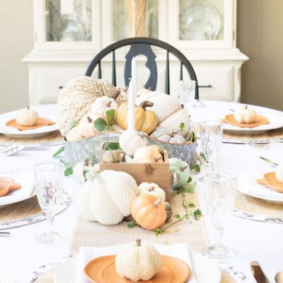 Helpful Ideas For Elegant and Inexpensive  Thanksgiving Table Decor