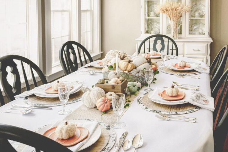 Inexpensive Thanksgiving table setting and centerpiece.