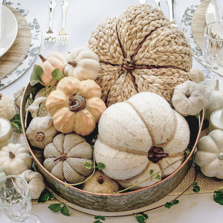 Easy and inexpensive Thanksgiving table centerpiece idea.