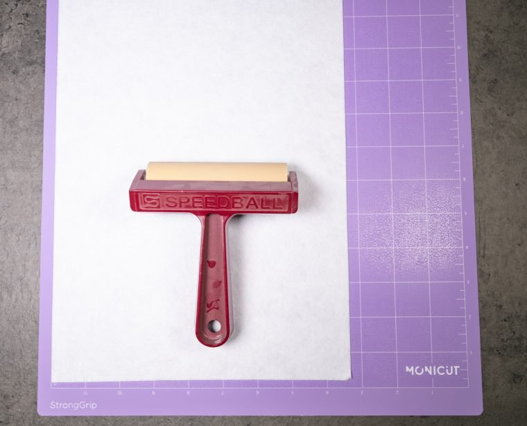 Using a Silhouette Cameo 4 to cut felt with the rotary blade.