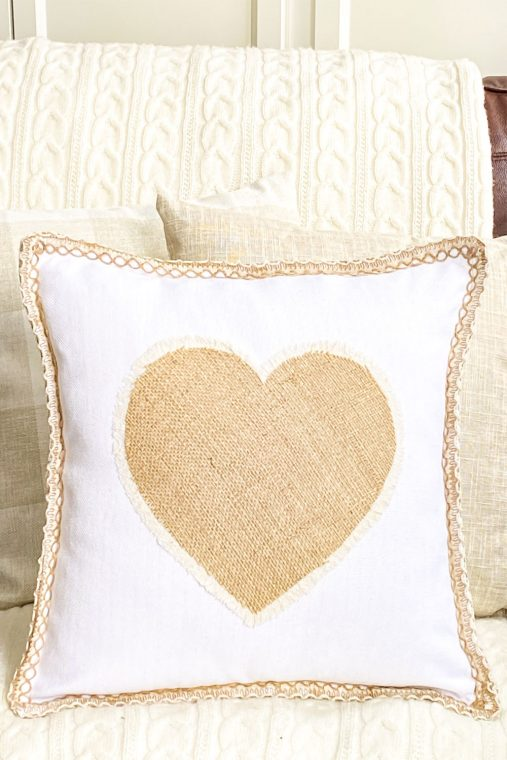 How to make a no-sew fringe burlap heart pillow for Valentine's Day.