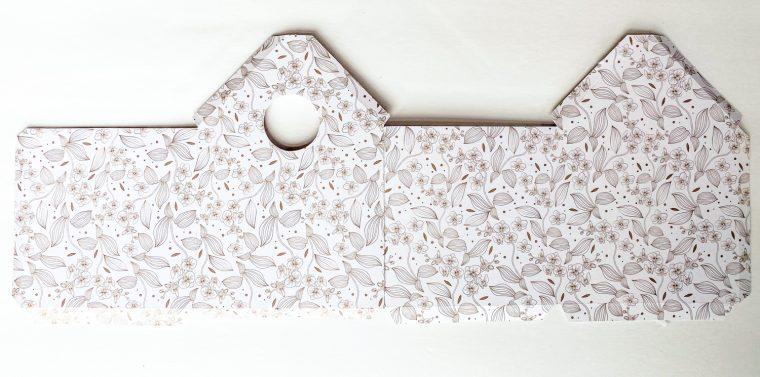 How to assemble DIY paper birdhouses.