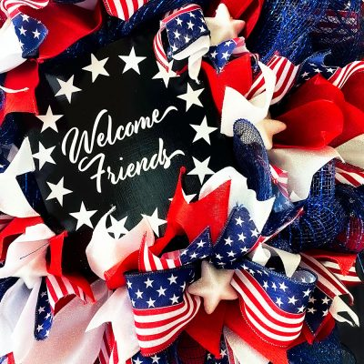 How To Make A Patriotic Deco Mesh And Ribbon Wreath With Wire Frame