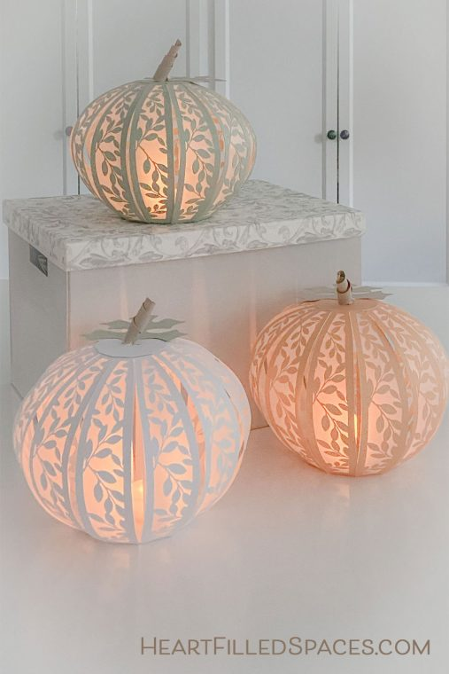 Pretty paper pumpkin craft for fall.