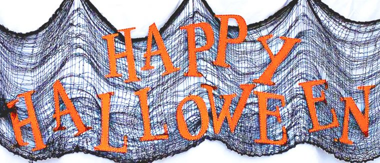 Free printable Happy Halloween sign and cut file.