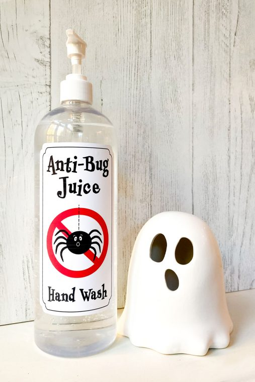 Free printable labels for hand sanitizer for Trick or Treating during Halloween.