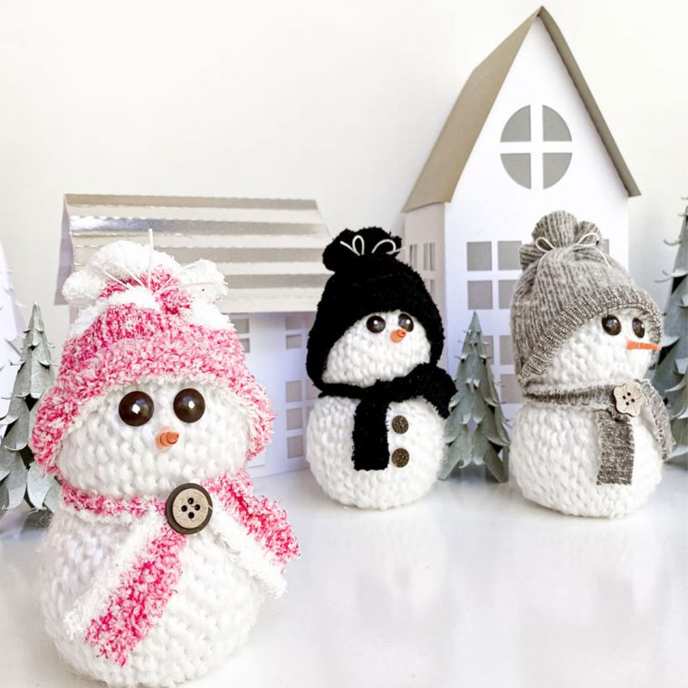 Easy & cute snowman craft for Christmas decorating using yarn, Styrofoam and socks.