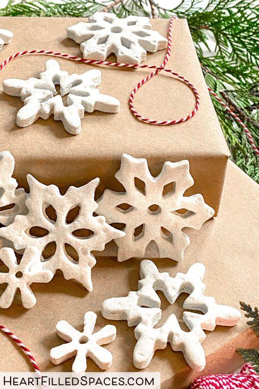 DIY Christmas Ornaments, White Snowflakes