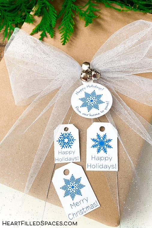 Free blue and white printable snowflake gift tags.