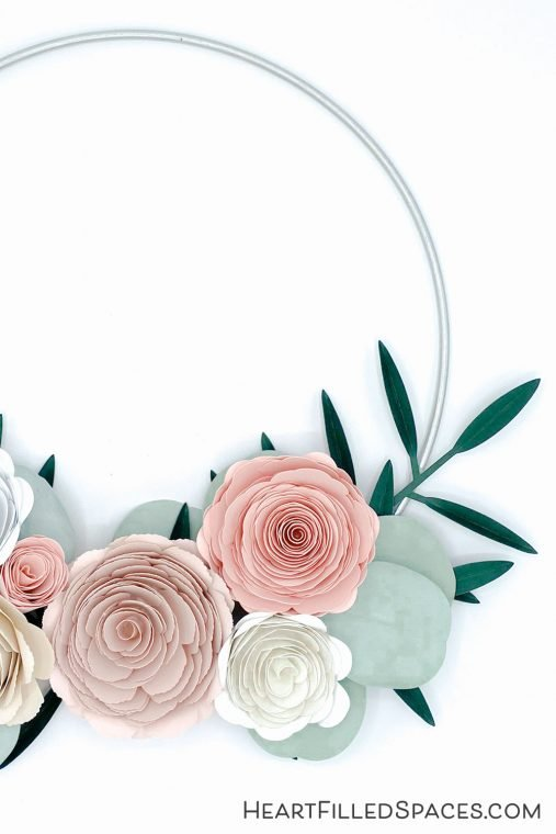 Paper flowers on a wreath.