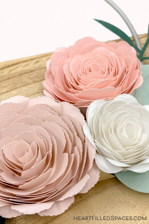 Paper flowers, SVG cut files, tutorial & tips.