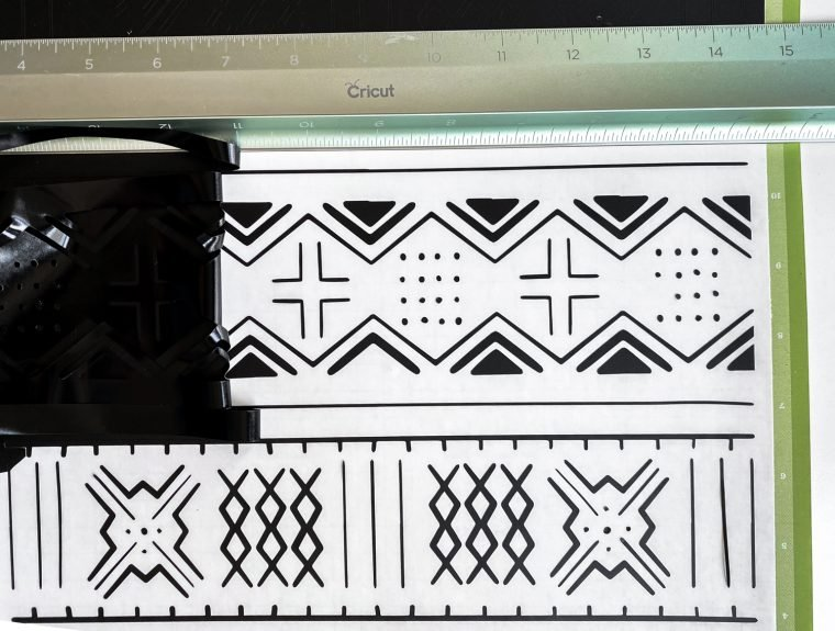 How to weed vinyl that has been cut into a detailed line art pattern.
